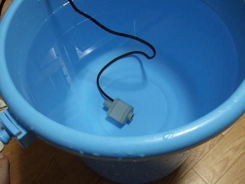 新品の人工海水を作ります。