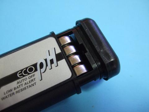 エコペーハーには、電池が最初から入っています。