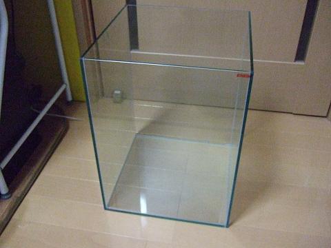 エーハイムのオールガラス水槽EJ-30H