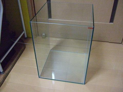 濾過槽として使用する水槽(エーハイムのオールガラス水槽)