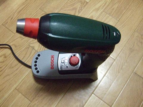 充電中のドリル
