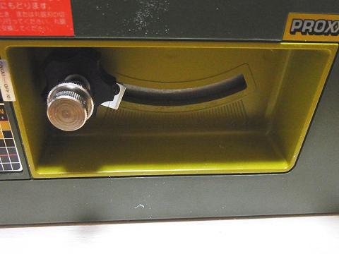 サーキュラーソウテーブルは、刃の高さを変えることが出来ます。