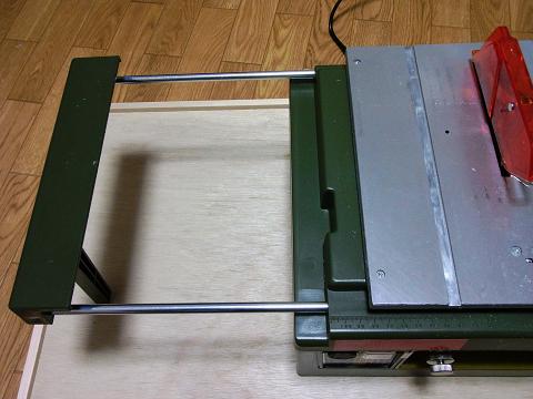 サーキュラーソウテーブルのスライドテーブルをのばしてみました。