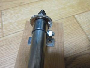ヒーター支持金具のボルト