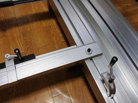 プロクソン・スライドソウ SS630(No.24950)の「材料スライドガイド」取り付け