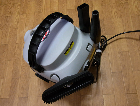 集塵機(E-Value 乾湿両用掃除機 10L EVC-100P)にノズルをセット