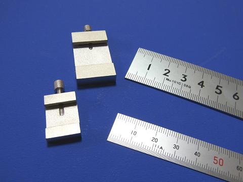 シンワ測定の直尺用ストッパー