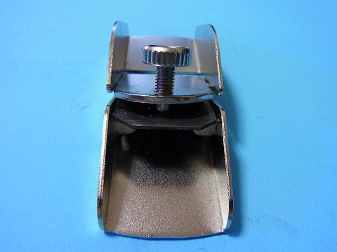 ミツトモの「ホビーかんな」の刃を調節する部分